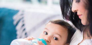 allattamento misto alternato: latte materno e artificiale